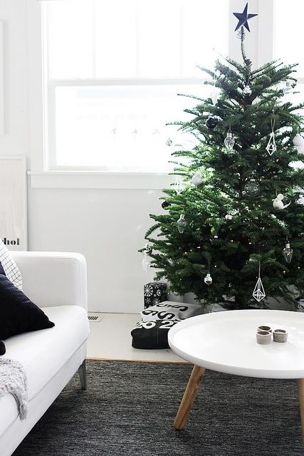 Christmas Living Room Decor Ideas thewowdecor (18)