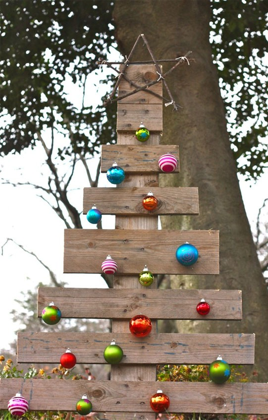Pallet Outdoor Christmas Tree