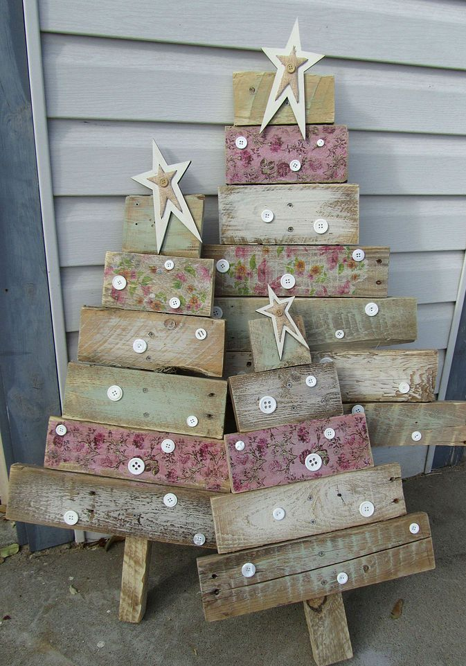 Wood Pallet Christmas Tree