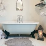 30 Cool Bathroom Christmas Decoration Ideas