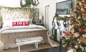 30 Best Christmas Bedroom Decor Ideas