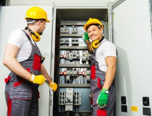 5 Main Reasons Why is it Important to Hire a Licensed Electrician?