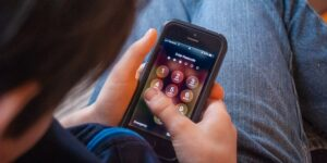 How to Keep Your Phone Safe from Children and How to Restore Images Using Picture Saver Apps