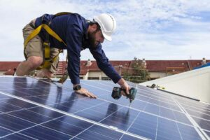 5 Key Questions to Ask Before Hiring a Solar Company