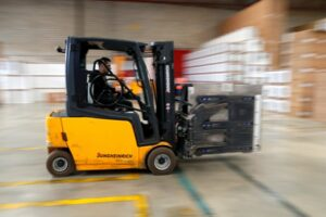 Different Industrial Material Handling Equipment Used In Warehouses