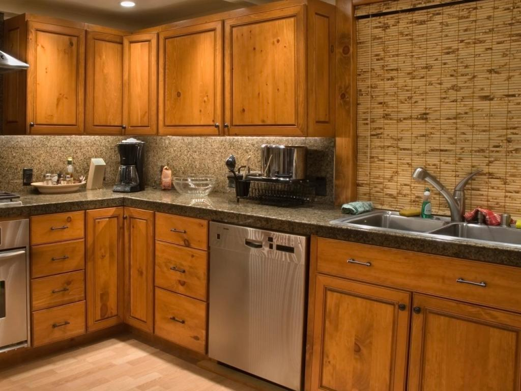 Types of cabinet doors