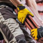 Why Roofing Professionals Should Wear Roofing Gloves
