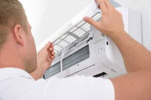 Knowing When to Repair Your Air Conditioner With HVAC