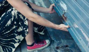 4 Steps To Manually Open a Garage Door If It Has Broken Spring