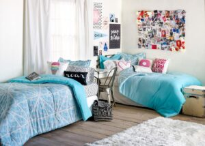 7 Smart and Stylish Ideas to Decorate your Dorm Room