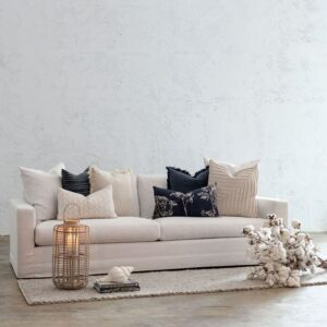 A Guide to Buying the Perfect Hampton Sofas for Your Living Room