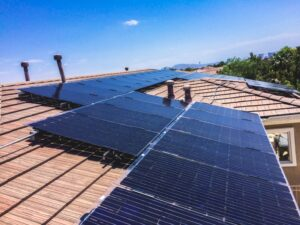 Looking for a Solar Company? Here's How to Choose the Right One