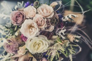3 Wood Flowers Wedding Arrangements That You Can Create Yourself!