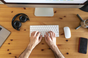 How Online Desk Maker Can Help You Create your Perfect One