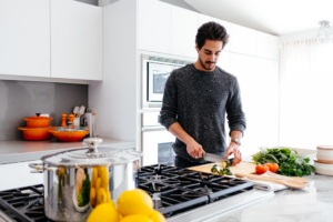 4 Easily Adopted Tips and Tricks for Cooking Beginners