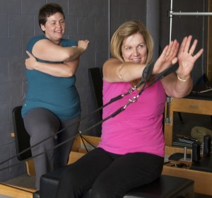 Client notices shoulder girdle and arm in movement