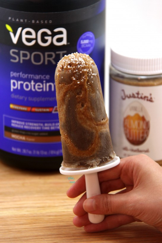 """Salted Caramel Mocha Protein Popsicles with protein """"caramel"""""""