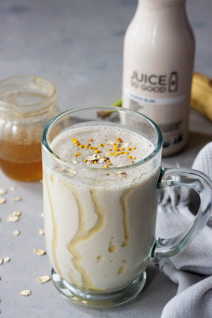 Honey Nana Oat Smoothie, A Whisk and Two Wands