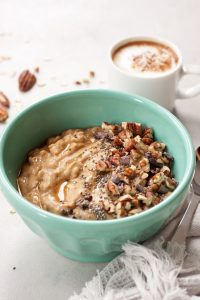 Pumpkin Pie Overnight Oats Smoothie Bowl