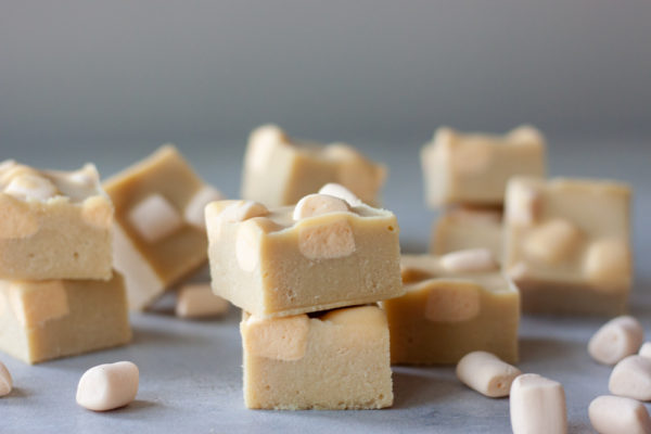 Vegan White Chocolate Pumpkin Marshmallow Fudge