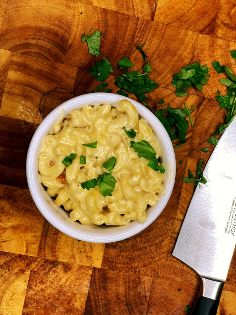 instant pot macaroni and cheese with smoked gouda