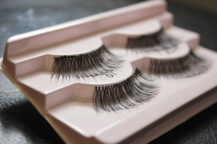 Ship False Eyelashes