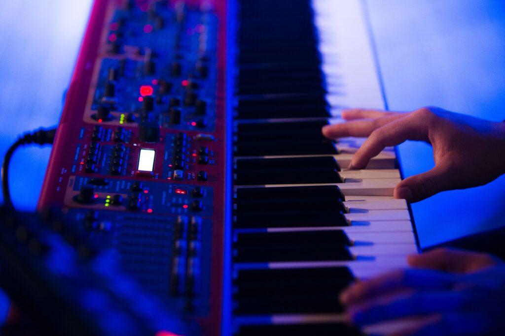 How to ship a digital piano