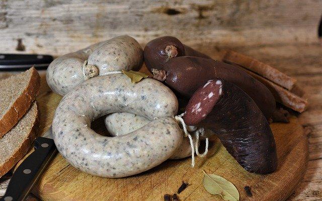Shipping fresh sausages