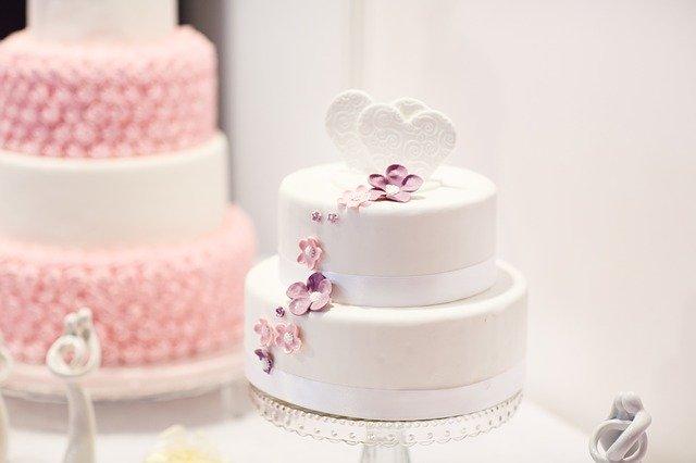 shipping a cake