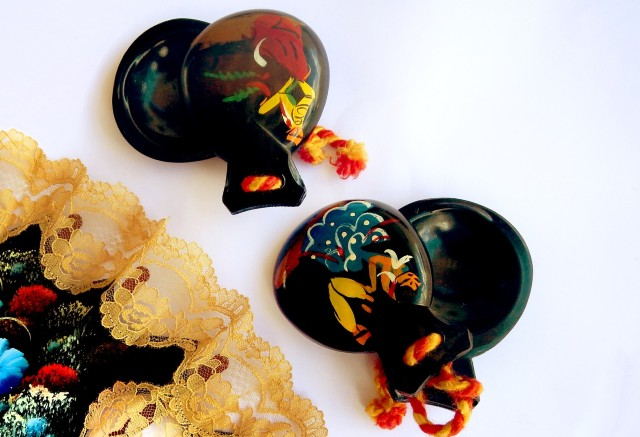 shipping castanets