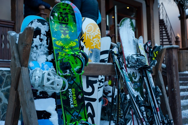 shipping snowboards