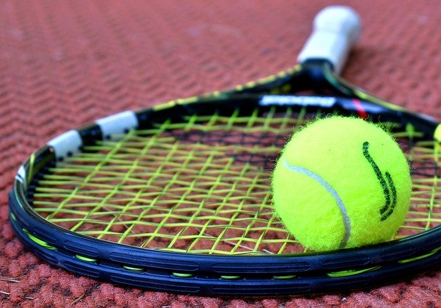shipping a tennis racket