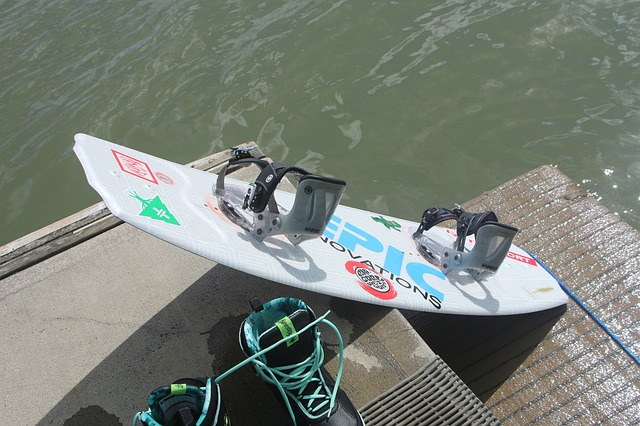 shipping a wakeboard
