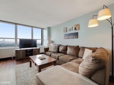 Lakeview - 655 West Irving Park Road Unit 3615, Chicago, IL 60613 - Living Room