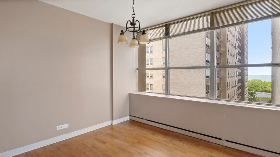 Lakeview - 655 Irving Park Road Unit 701, Chicago, IL 60613 - Dining Area