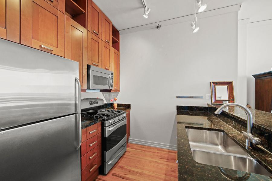 Printers Row - 170 West Polk Street Unit 1503, Chicago, IL 60605 - Kitchen