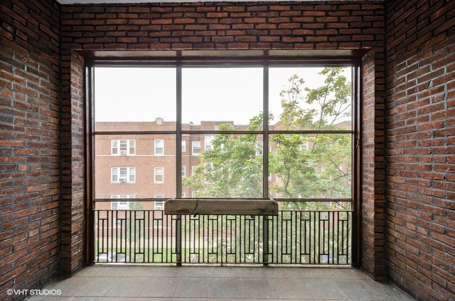 Rogers Park - 1408 West Jonquil Terrace Unit 3, Chicago, IL 60626 - Balcony