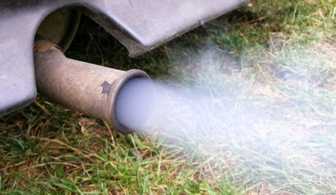 Tailpipe Smoke - What Does The Color Of The Tailpipe Smoke Mean