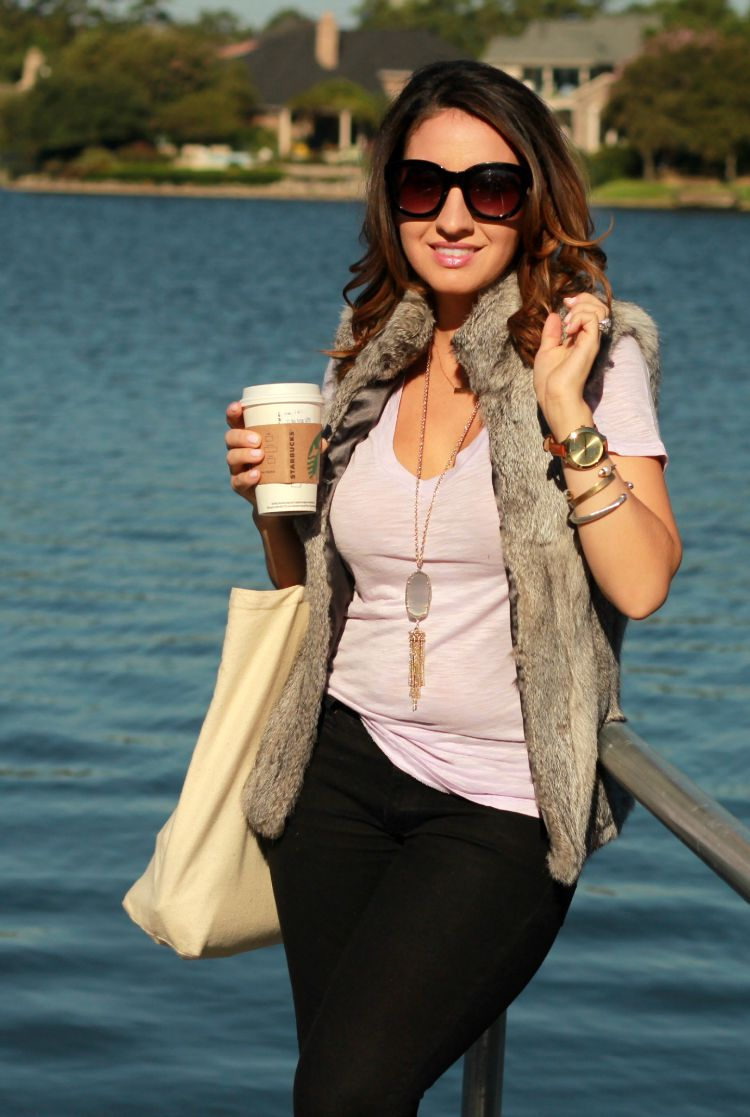 Fall outfit-Aerie Tee and fur