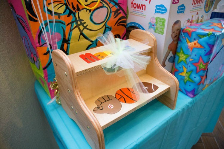 The perfect wooden stool to start potty training with