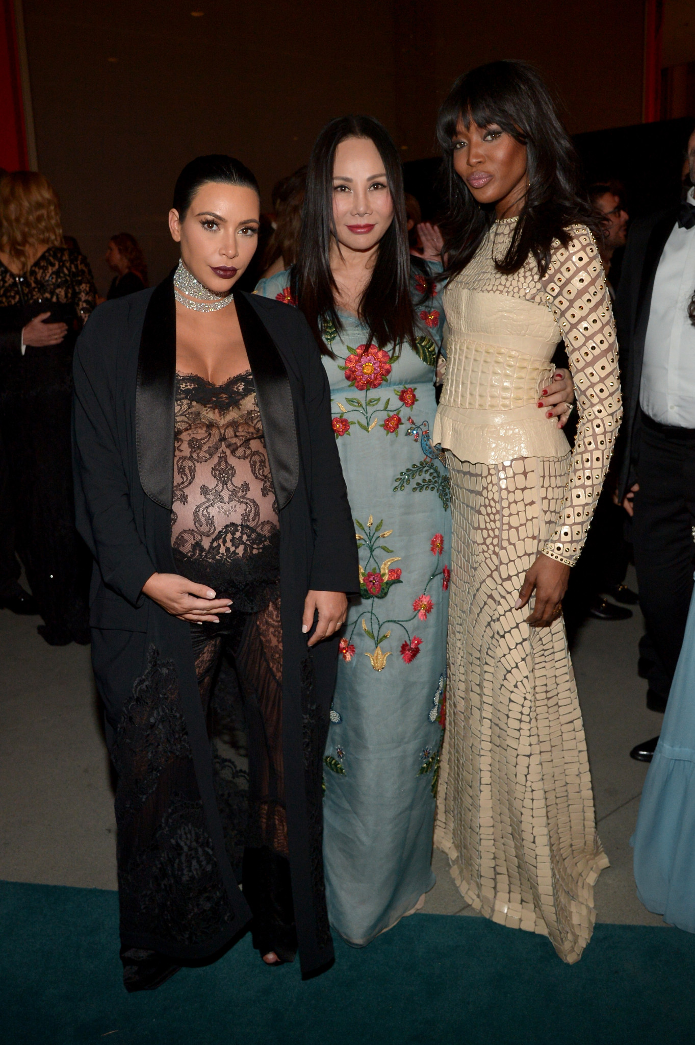 LOS ANGELES, CA - NOVEMBER 07: (L-R) TV personality Kim Kardashian West, LACMA trustee Eva Chow and model Naomi Campbell attend LACMA 2015 Art+Film Gala Honoring James Turrell and Alejandro G Iñárritu, Presented by Gucci at LACMA on November 7, 2015 in Los Angeles, California.  (Photo by Charley Gallay/Getty Images for LACMA)