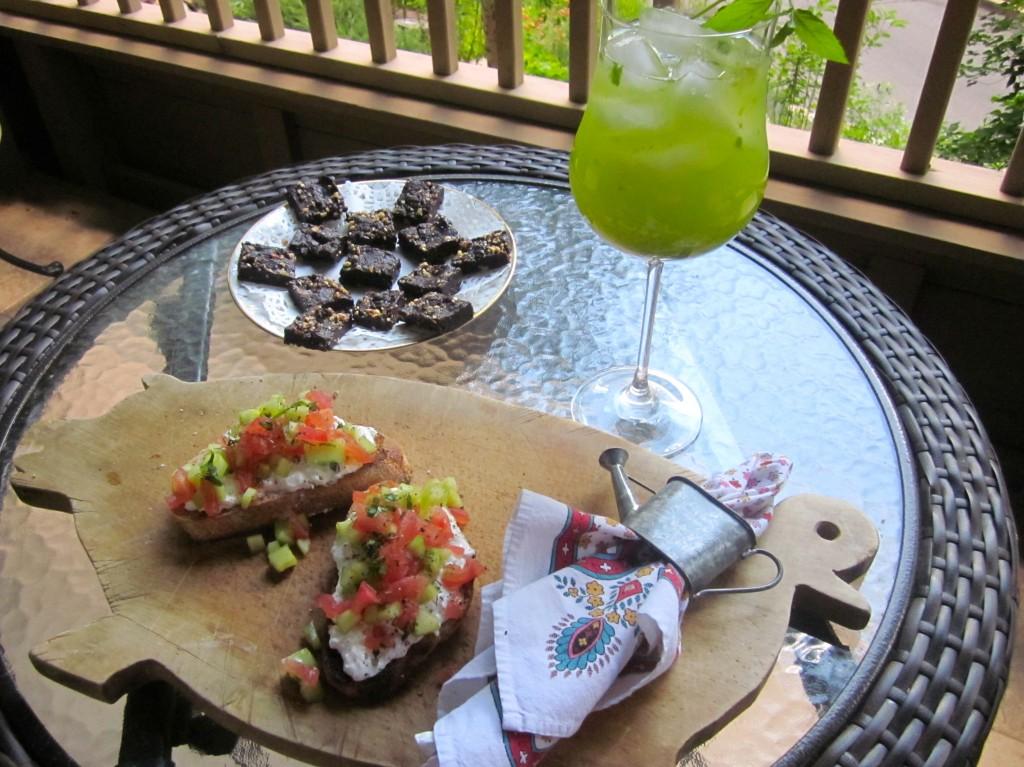 What's for lunch? -It's-Healthy Tartine, Lemon Basil-Mint Lemonade, & Raw Brownies