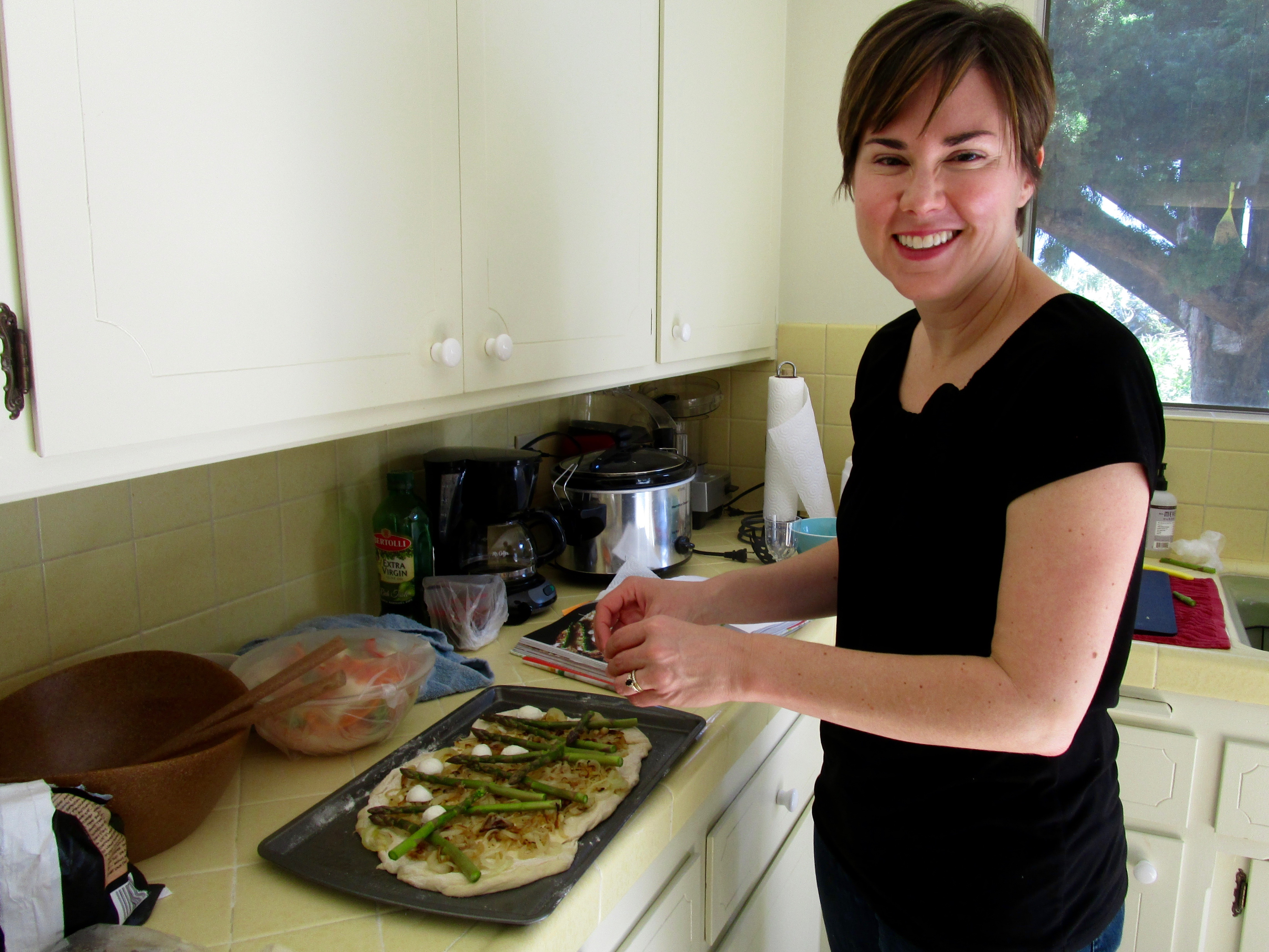 Katie Baillargeon, a UC Santa Barbara prof  and her family came for lunch. Our menu ibcluded Asparagus Pizza from River Cottage Veg.