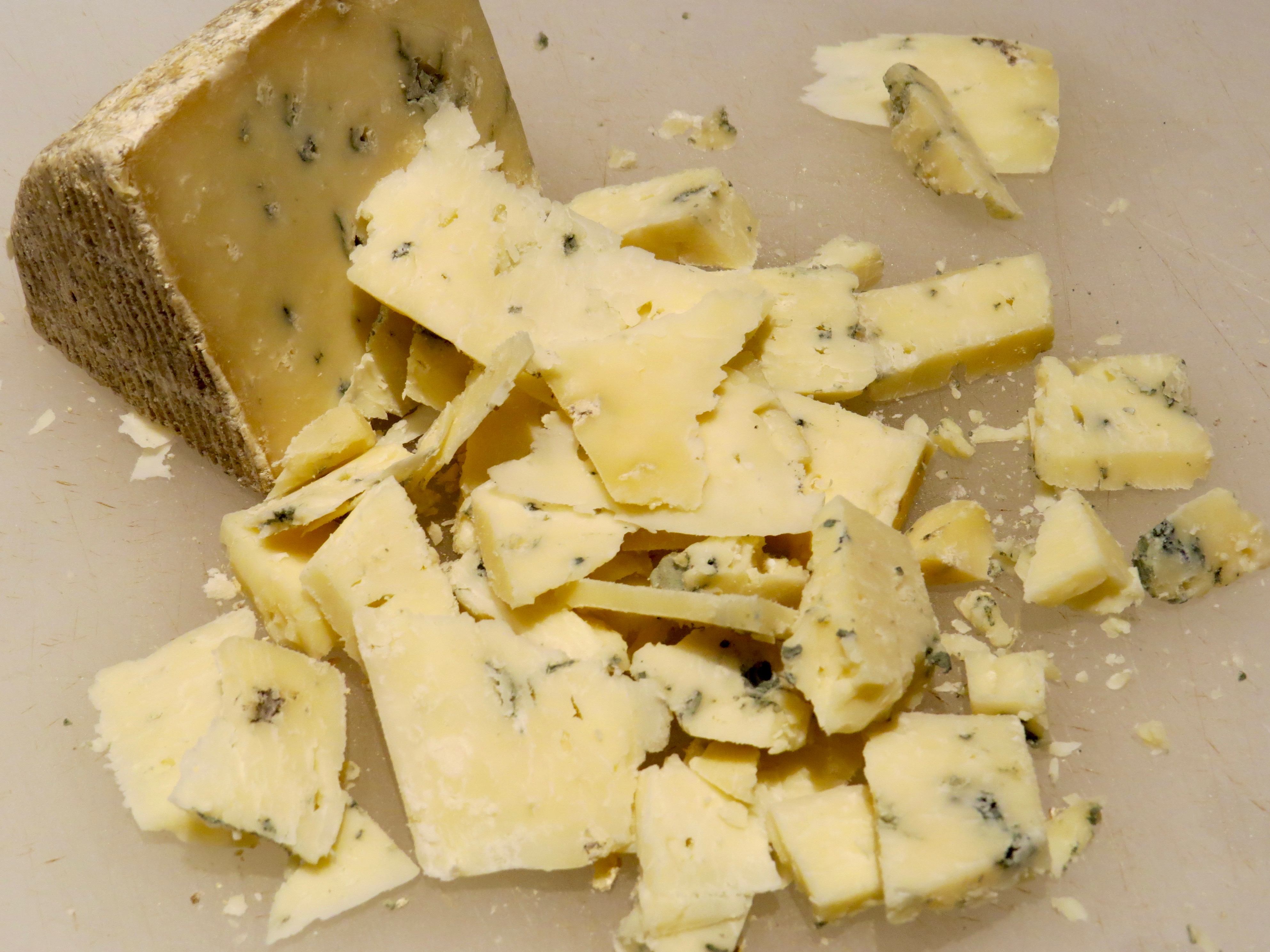The cheese is bleu.