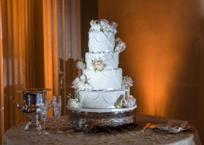 wedding cake by Monica at trendy wedding style