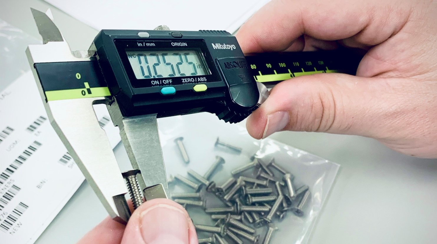 Inspection_Calipers_Screw