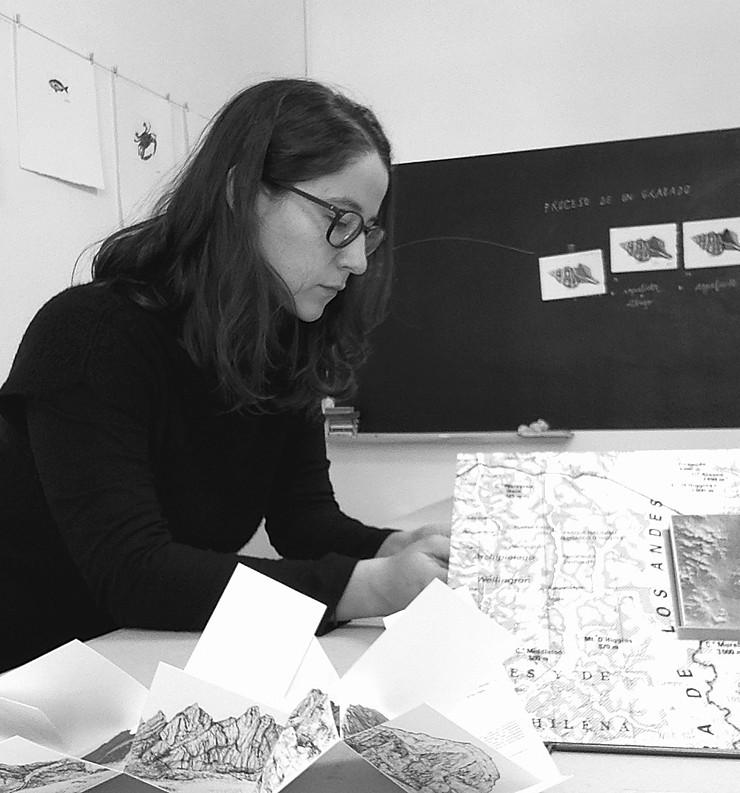 Entrevista a Javiera Pintocanales, artista editorial.