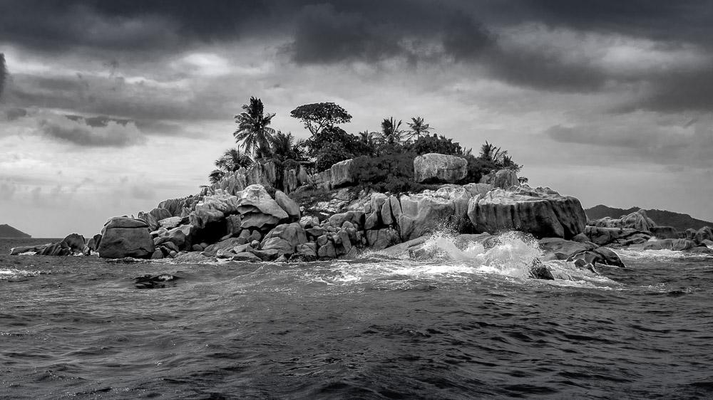 Stormy seas in St. Pierre, Seychelles