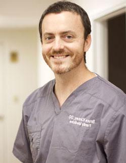 Dr. Kinney Clinical Director (Kailua)