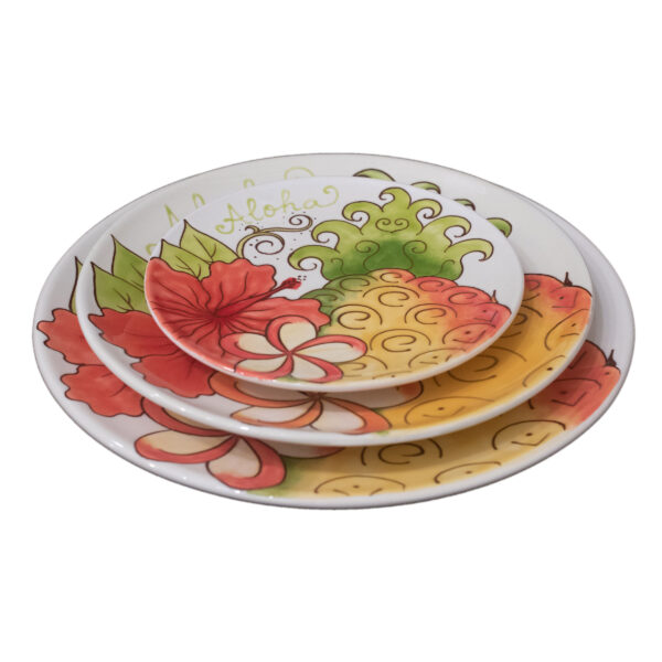 Sugarloaf Pineapple Round Plates